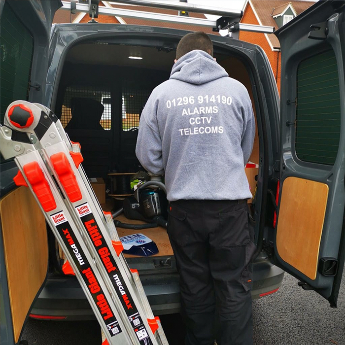 commercial security consultants - cctv & burglar alarm installation service bletchley